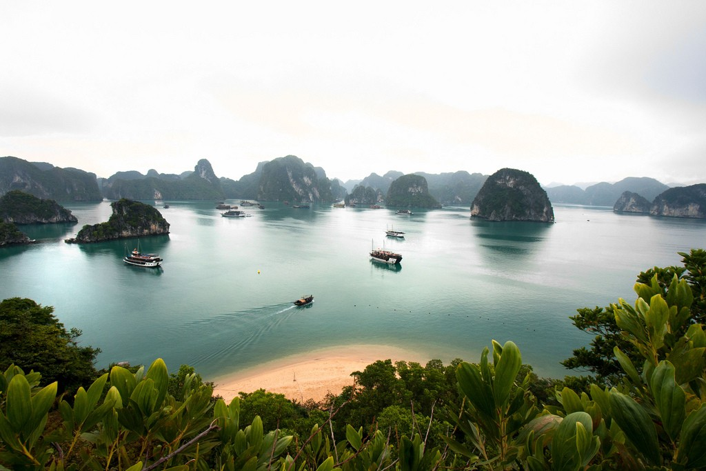 halong_bay ladyhattan luxury travel blog nyc