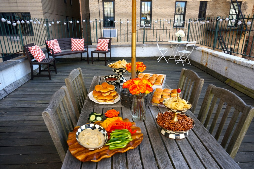 Manhattan – Casual NYC Patio Party